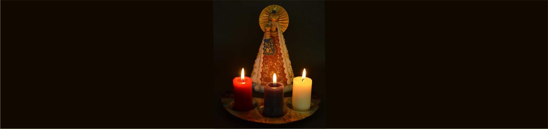 Gnadenmutter mit Kerzen